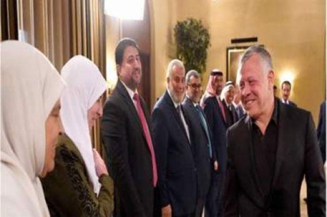 مفاجأة من العيار الثقيل : الإخوان المسلمو ن يمنعون انقلابًا على جلالة الملك بقيادة أحد أقربائه