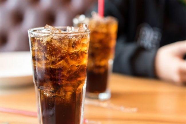 تحذير صحي خطير .. مشروبات يتناولها الجميع تساعد على تطور السرطان